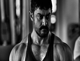 Aamir Khan real hot body photo leaked pics