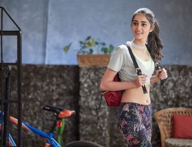 Ananya Pandey hot in student of the year 2 movie wallpaper