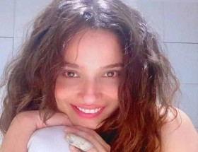 Ankita Lokhande new curly hairstyle images