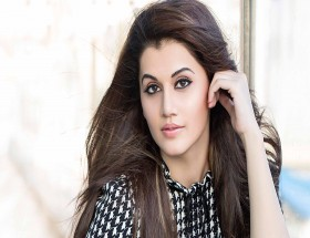 Beautiful eyes of Taapsee Pannu hd photos and images