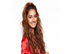 Bollywood actress Disha Patani new hair style wallpaper