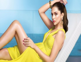 Bollywood celebrity Deepika show hot legs new photoshoot