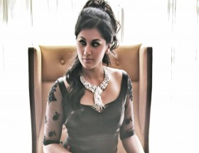 Celebrity Taapsee Pannu new necklace photo