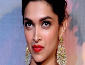 Close up face of Deepika Padukone with red lipstick wallpaper