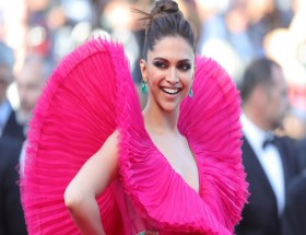 Deepika cannes pink dress hd wallpapers