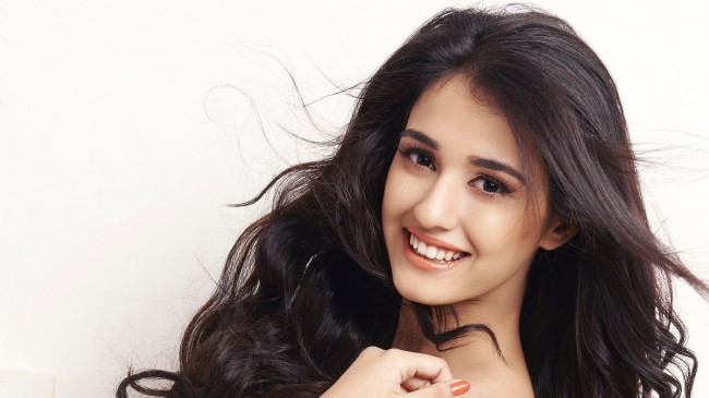 Disha Patani close up face smiling white background wallpapers
