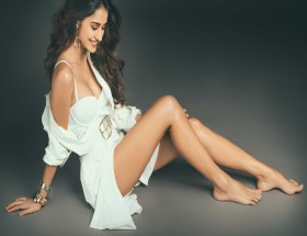 Disha Patani hot legs new photoshoot