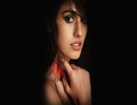 Disha Patani spicy lips close up face black background wallpaper