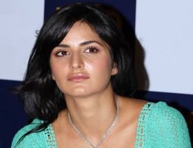Katrina Kaif unseen without make up simple look photo