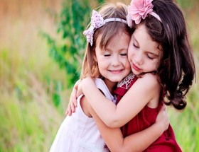 Lovely two small girl cute hd pictures new 2021