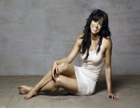 Michelle Rodriguez hot legs hd wallpapers