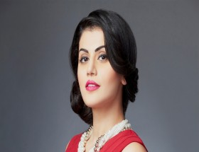 Most popular actress Taapsee Pannu perfect photos hd