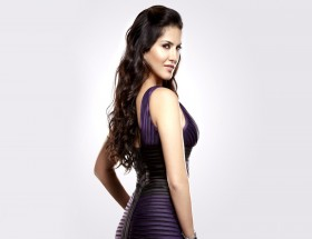Sleeveless Bollywood actress Sunny Leone new hd wallpapers