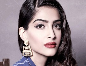 Sonam Kapoor beautiful white face hd wallpapers