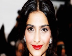 Sonam Kapoor close up face red lips images