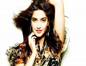 Sonam Kapoor desktop wallpapers free