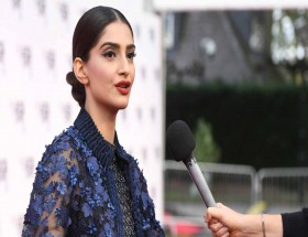 Sonam Kapoor interview images