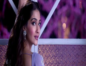 Sonam Kapoor saree photo in prem ratan dhan payo movie