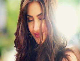 Sonam Kapoor wallpaper free download