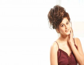 Stylish girl Taapsee Pannu free images hd