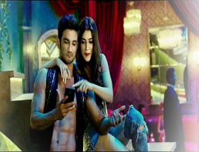 Sushant Singh Rajput and kriti Sanon in main tera boyfriend tu meri girlfriend song photos