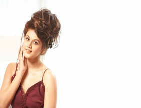 Taapsee Pannu night dress photos leaked very hot