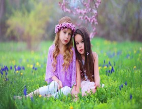 Two baby girl sister photoshoot best pose images