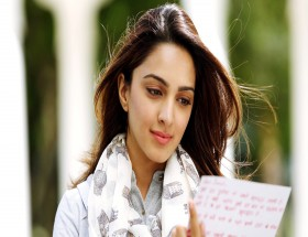 White skin Kiara Advani face hd wallpapers