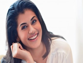 most beautiful smile in the world female Taapsee Pannu photos