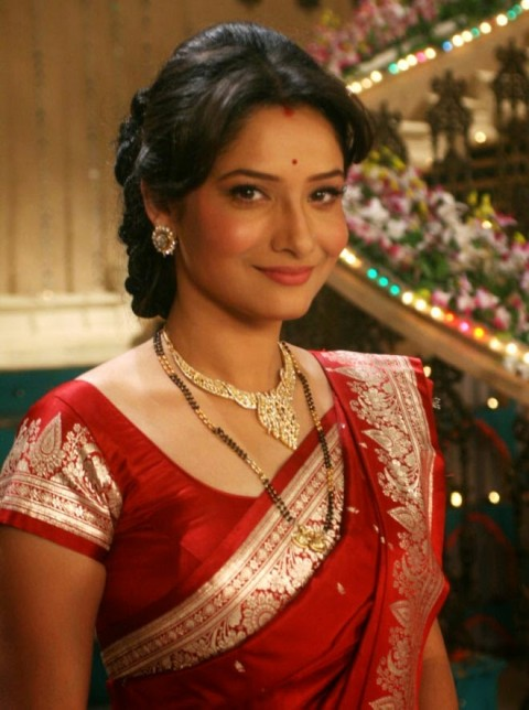 Ankita Lokhande wear red saree in TV serial photos