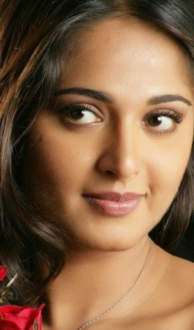 Anushka Shetty beautiful eyes and lips close up photos