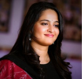 Anushka Shetty close up face full hd 4k photos