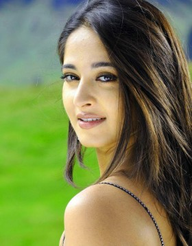 Anushka Shetty iphone mobile photos download