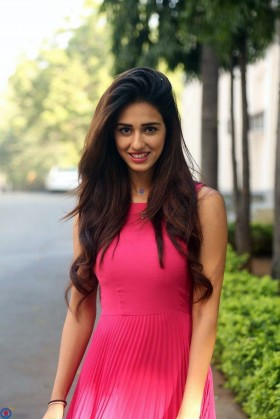 Bollywood actress Disha Patani pink dress mobile photos