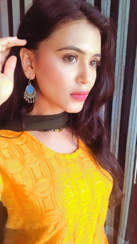 Haelyn Shastri beautiful face hd wallpapers