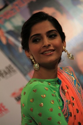 Sonam Kapoor real pics in saree