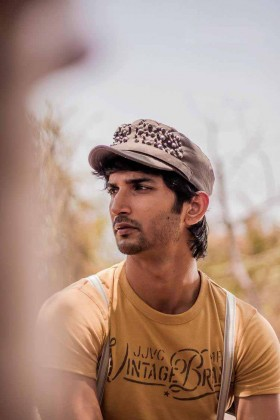 Sushant Singh Rajput wear cap photo